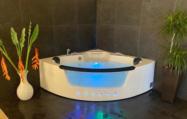 Das Bad für Spa-behandlung